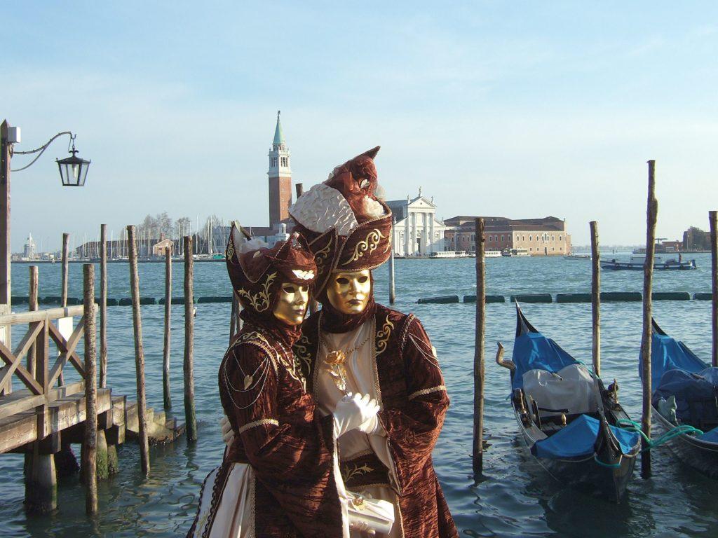 Carnevale_di_Venezia_Masks_2010-min